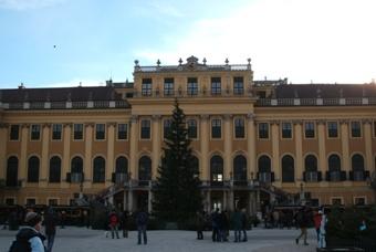 シェーンブルン宮殿の広場